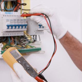 elektriker-eljobb-24-rorjour-cut